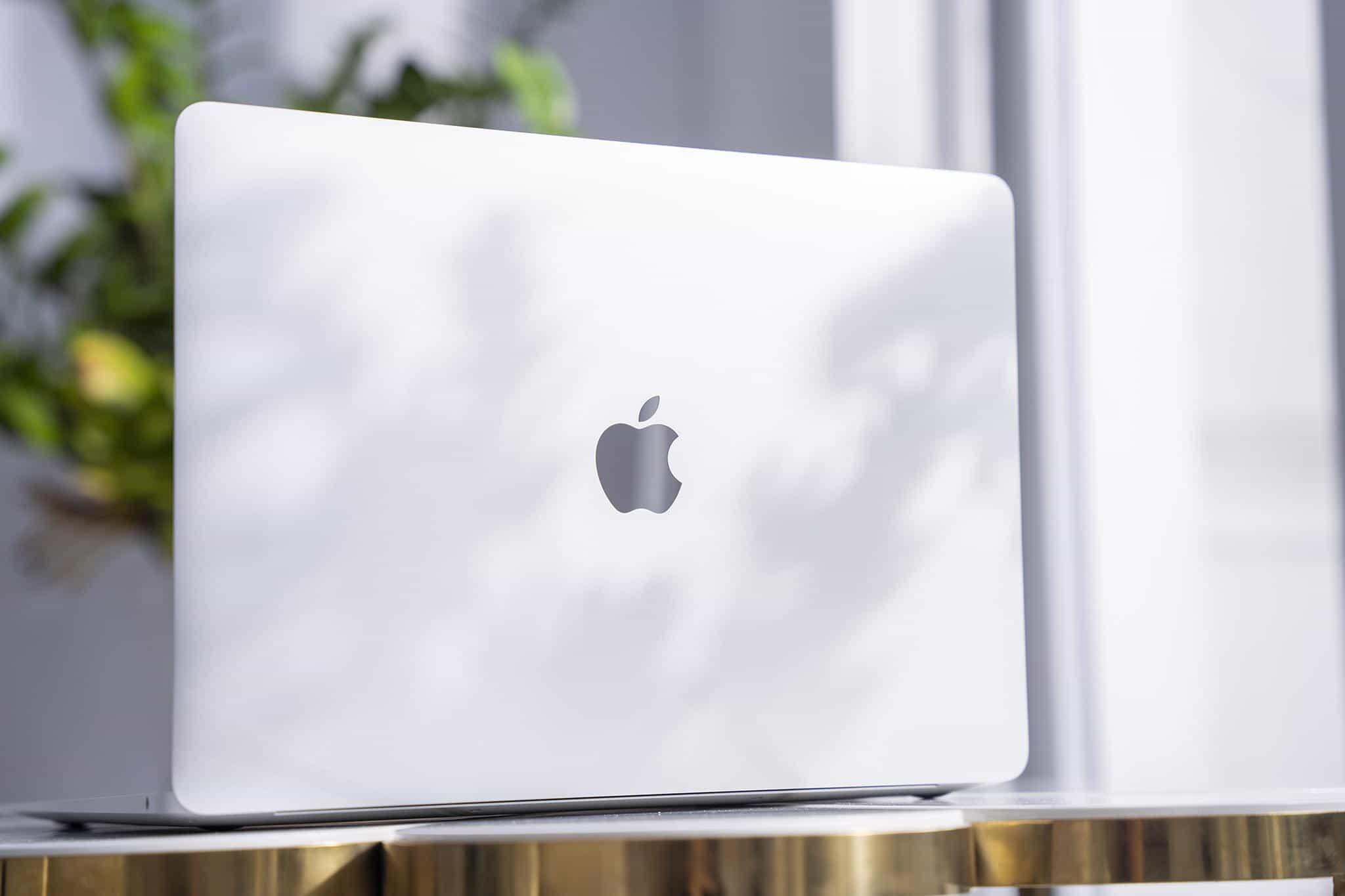 MacBook M1 đã được bán chính thức tại Việt Nam với giá từ 27.99 triệu