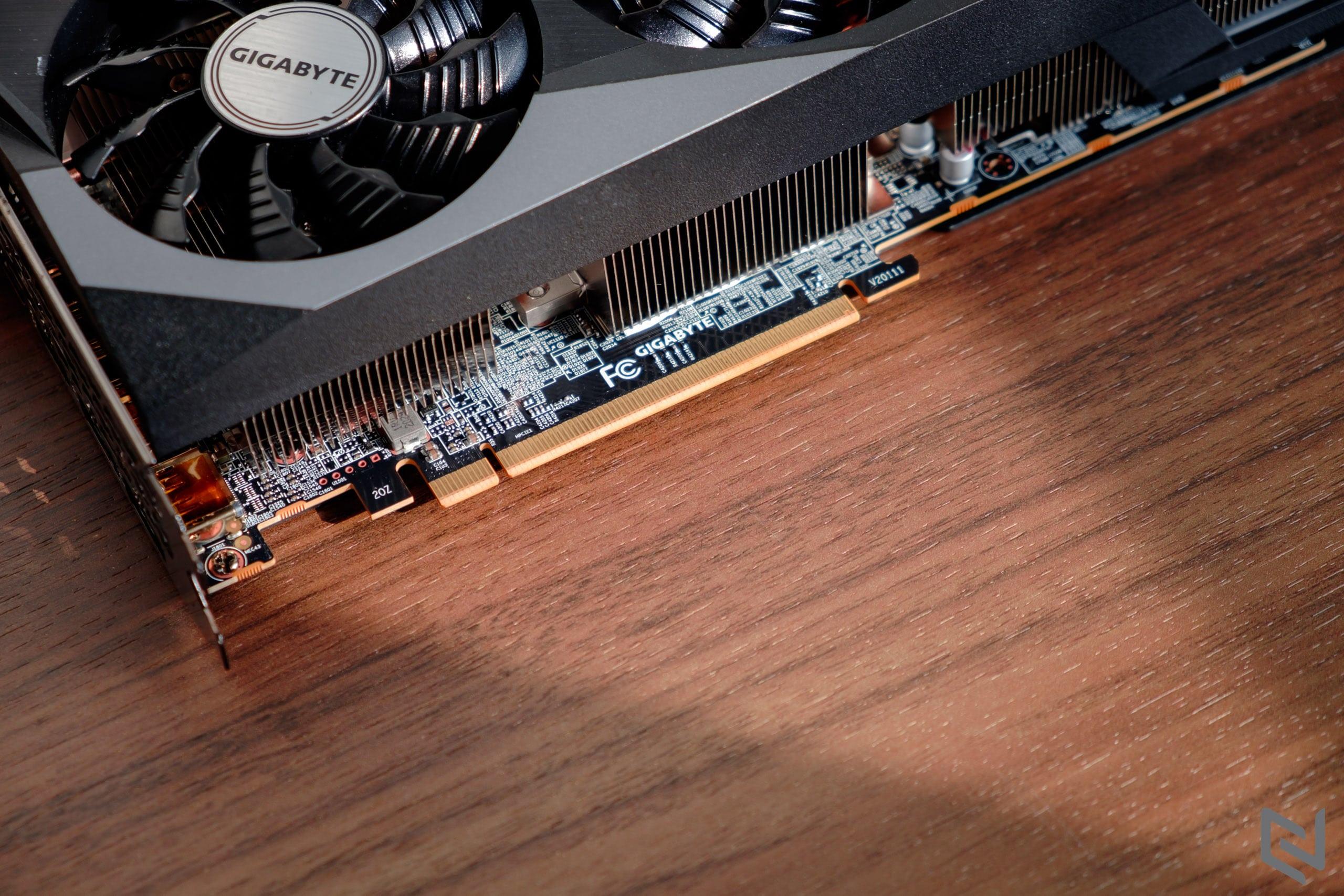 Trên tay card đồ hoạ GIGABYTE Radeon RX 6800 GAMING OC 16G