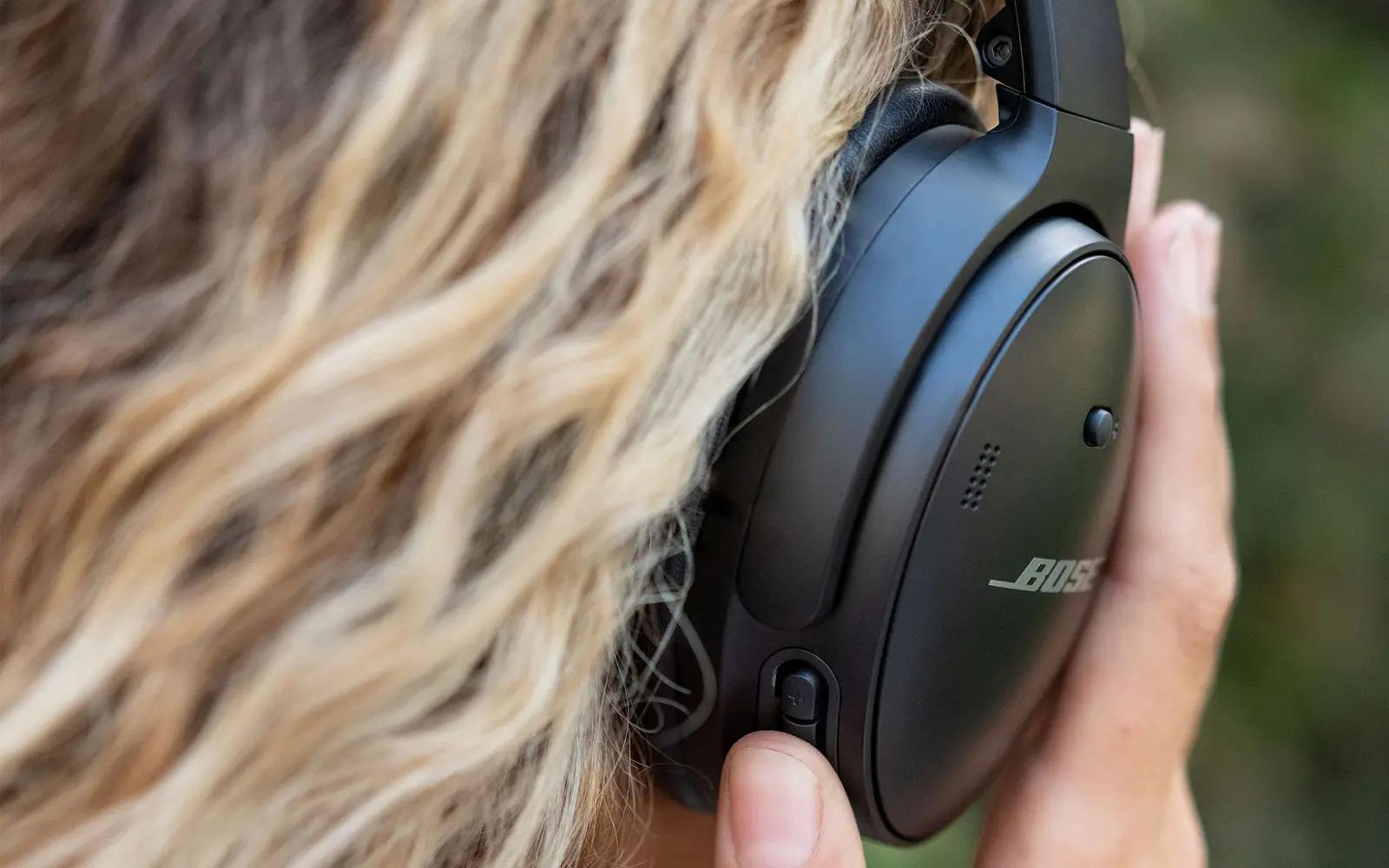 Bose ra mắt tai nghe QuietComfort 45 mới cải thiện âm thanh, có cổng USB-C,pin 24 tiếng